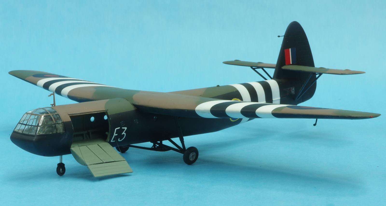 http://goldeneramodel.com/mymodels/gliders/horsa/1horsa/0161horsa.jpg